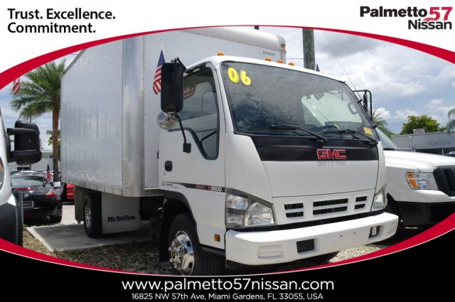 Pre-Owned 2006 GMC W3500 Medium Duty W-Series