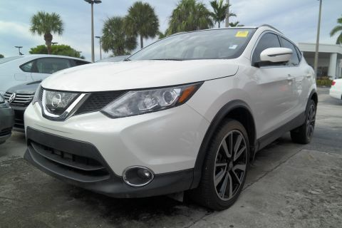 Pre-Owned 2017 Nissan Rogue Sport SL
